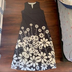 Black and white floral shift maxi dress size M